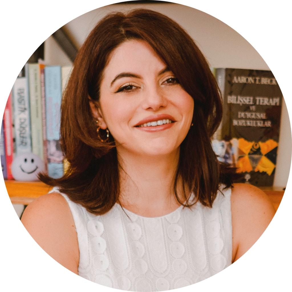 Psikolog Aysun Erol